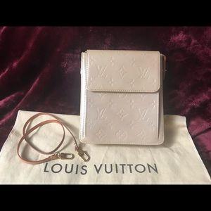 Auth Louis Vuitton Vernis Mott